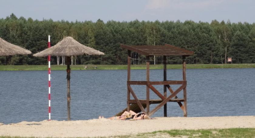 Samorząd lokalny, gmina dokłada zalewu - zdjęcie, fotografia