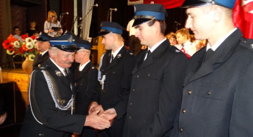 Samorząd lokalny, Strażacy ochotnicy odznaczeni - zdjęcie, fotografia