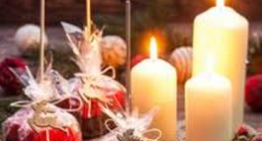 Społeczne, Kiermasz Bożonarodzeniowy Szkole Podstawowej Pawła Zamchu - zdjęcie, fotografia