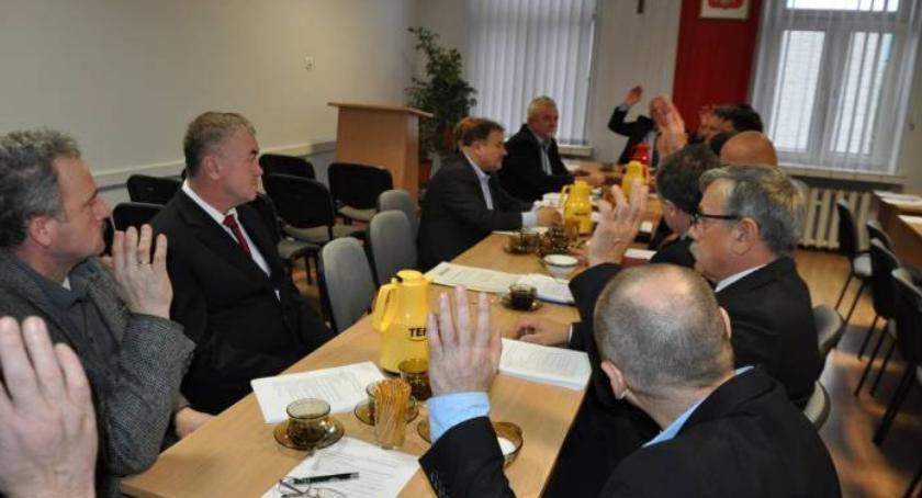 Samorząd lokalny, Budżet zatwierdzony wszyscy - zdjęcie, fotografia