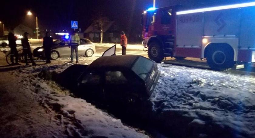 Wypadki drogowe, Uderzył betonowy przepust - zdjęcie, fotografia