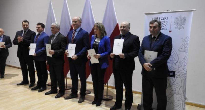 Samorząd lokalny, gminy otrzymały pieniądze wąwozówki - zdjęcie, fotografia