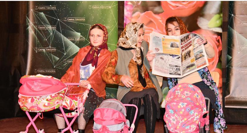 Wydarzenia, Tereszpolu świętowano Dzień Kobiet - zdjęcie, fotografia