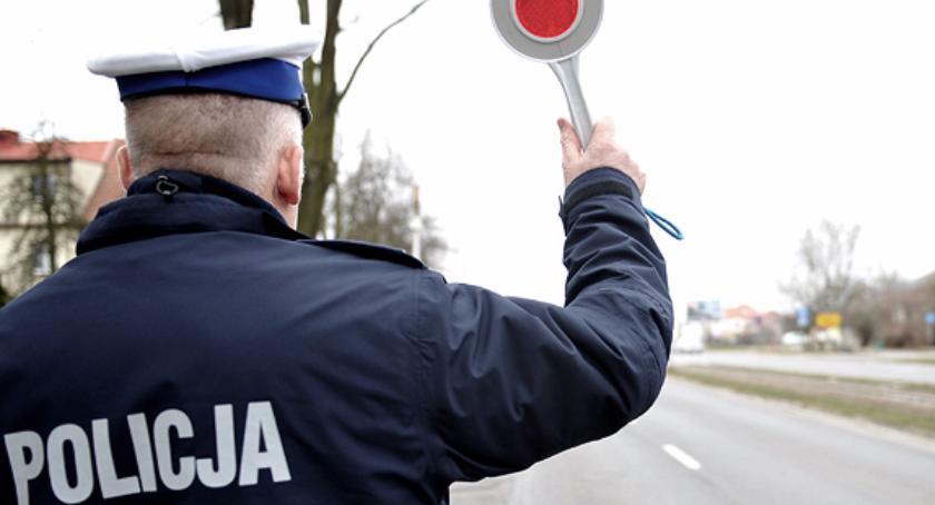 Komunikaty policji, Jechał przez wieś zawrotną przędkością - zdjęcie, fotografia