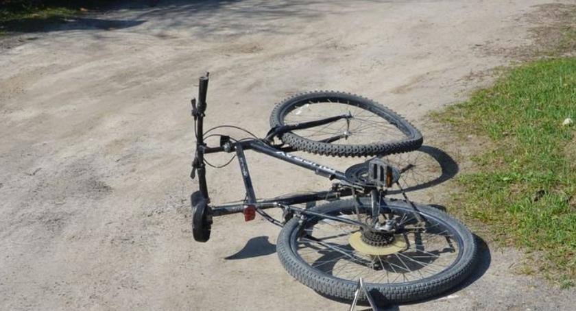 Wypadki drogowe, Wypadek udziałem rowerzysty - zdjęcie, fotografia