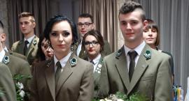 Polonez w mundurach leśnika
