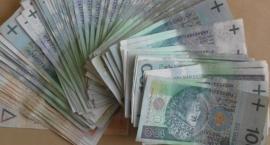 Mieszkanka Biłgoraja przyniosła na komendę portfel pełen pieniędzy