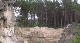 W skalnej scenerii (FILM)