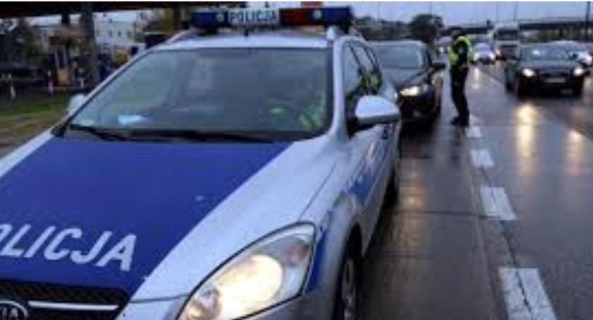 NA SYGNALE, Policja wypadków dużo kolizji - zdjęcie, fotografia