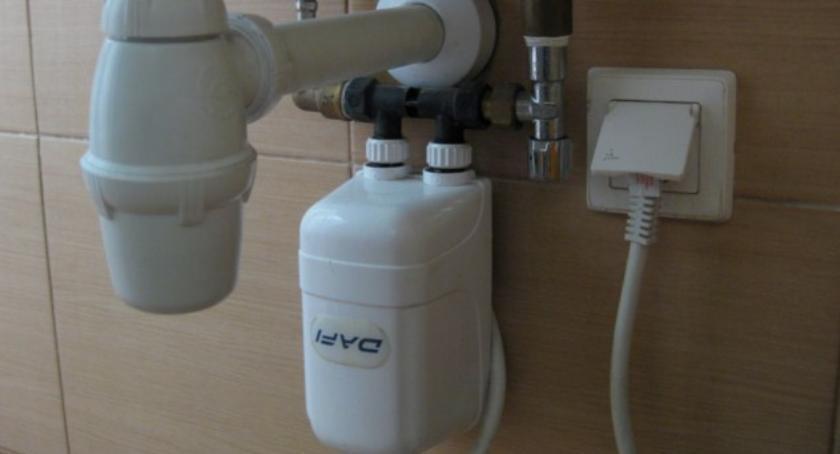 JAK TEMU ZARADZIĆ, Przypływowe elektryczne podgrzewacze które wybrać - zdjęcie, fotografia