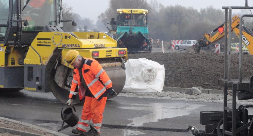 SPOŁECZNE, Skanska buduje obwodnicę Płocku - zdjęcie, fotografia