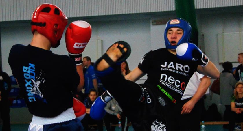 sport, medali płockich kickboxingonistów - zdjęcie, fotografia