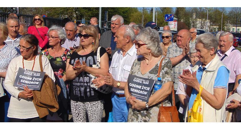 SPOŁECZNE, Marsz seniorów Płocku - zdjęcie, fotografia