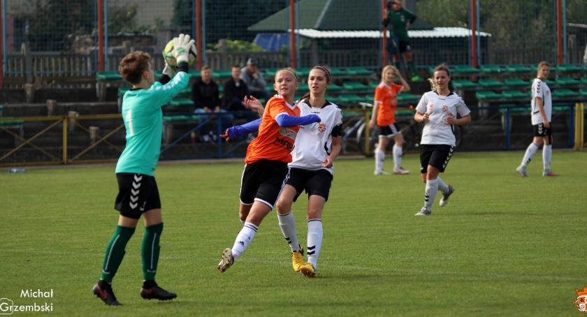 sport, Pomarańczowe pokonane drugi - zdjęcie, fotografia