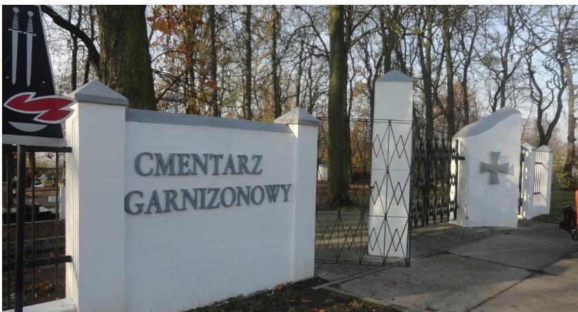SPOŁECZNE, Cmentarz garnizowany Płocku rocznicę odzyskania niepodległości - zdjęcie, fotografia