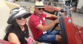 Mercedesem po Wiśle na ulicy Tumskiej