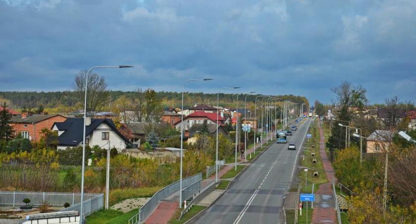 Inwestycje, Skaryszewie zainstalowano nowoczesne oświetlenie uliczne - zdjęcie, fotografia