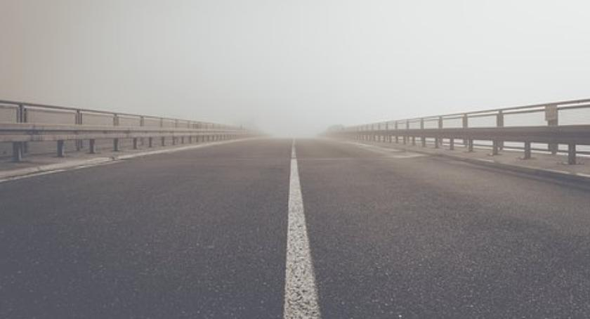 Inwestycje, Spotkanie informacyjne sprawie budowy drogi - zdjęcie, fotografia