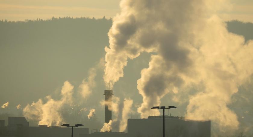 Edukacja, szkołach będą sprawdzać jakość powietrza - zdjęcie, fotografia