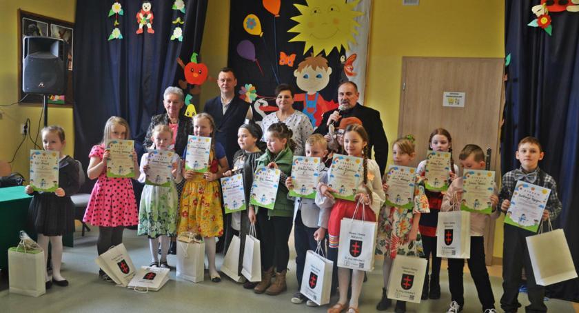 Aktualności, Gminny konkurs recytatorski uczniów szkół podstawowych - zdjęcie, fotografia