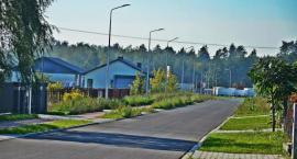 Ulica Złota w Skaryszewie zyskała asfaltową nawierzchnię i nowoczesne oświetlenie