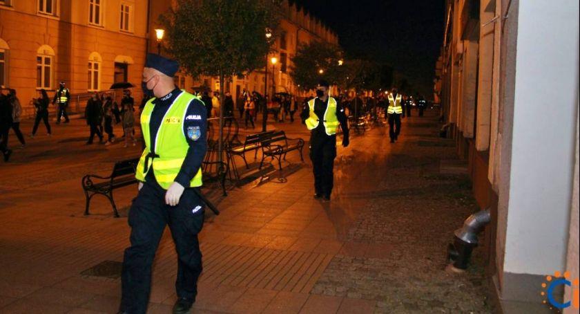 Polityka, Dlaczego policja interweniowała podczas protestów Ciechanowie Senator pisze szefa MSWiA - zdjęcie, fotografia