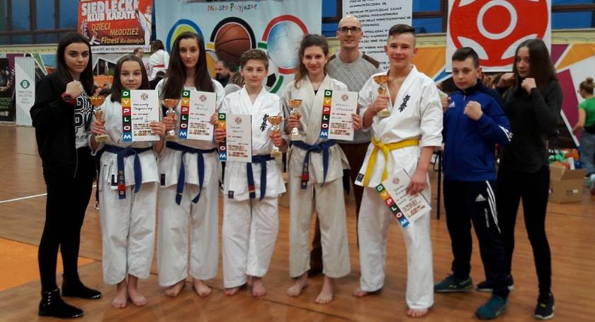Karate, Karatecy Ciechanowa złotymi medalistami Mistrzostw Mazowsza! (zdjęcia) - zdjęcie, fotografia