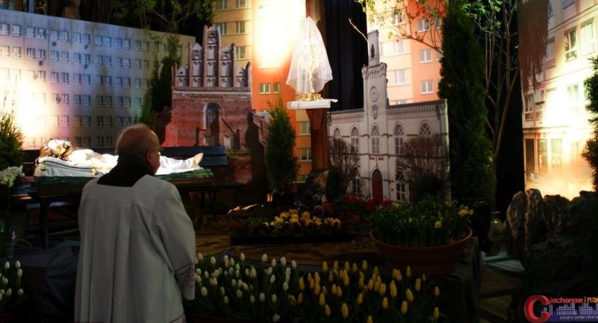 Społeczeństwo, Groby Pańskie ciechanowskich kościołach (zdjęcia) - zdjęcie, fotografia