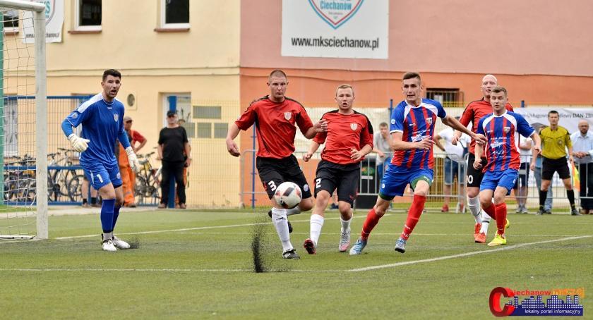 Piłka Nożna, sparingowe porażki Ciechanów - zdjęcie, fotografia