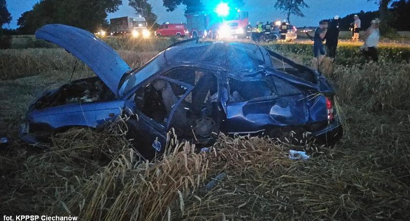 Wypadki drogowe, latek zginął wypadku Ciechanowem Kierowca chciał ominąć sarnę (zdjęcia) - zdjęcie, fotografia