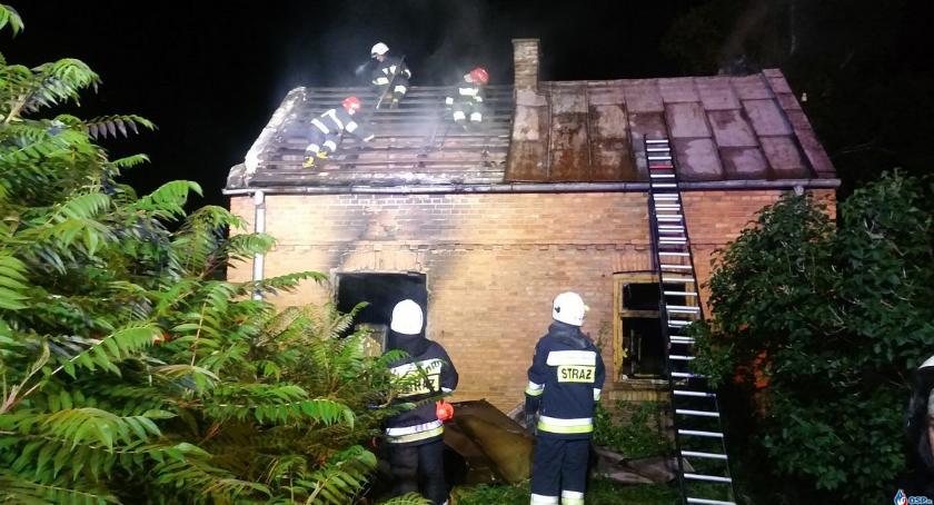Pożary, Glinojecku płonął budynek mieszkalny - zdjęcie, fotografia