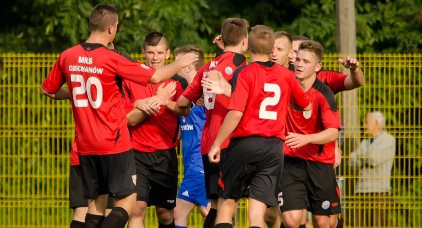 Piłka Nożna, Tabaka bohaterem ostatniej akcji wygrał Łomiankach - zdjęcie, fotografia