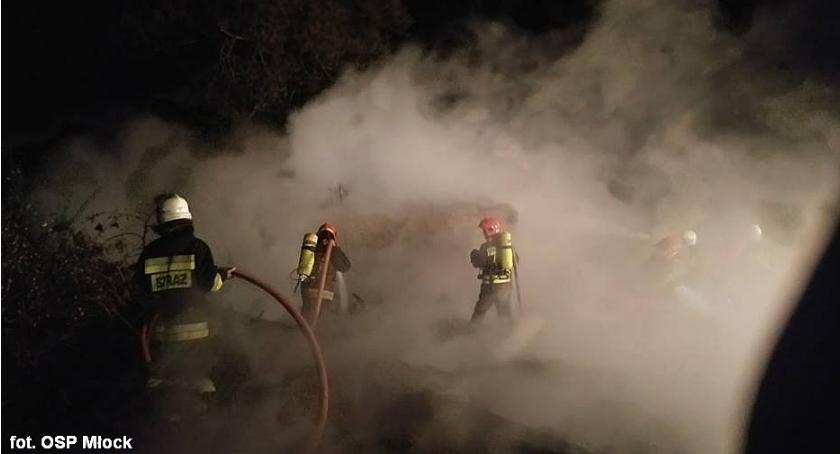 Pożary, zastępy strażaków walczyły pożarem niedaleko Ciechanowa (zdjęcia) - zdjęcie, fotografia