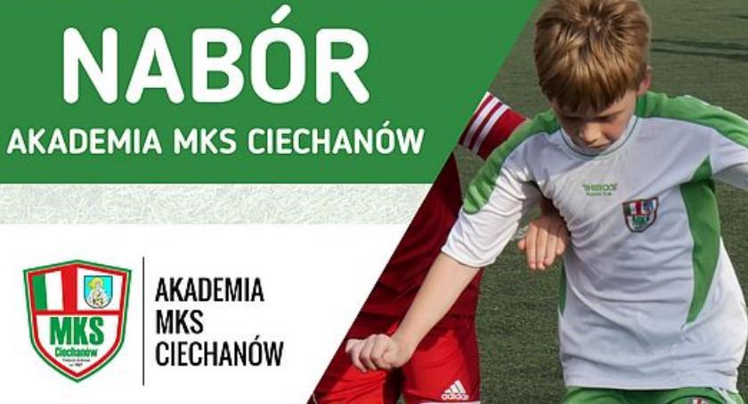 Piłka Nożna, Ciechanów ogłasza nabór Akademii Powstanie drużyna dziewcząt! - zdjęcie, fotografia