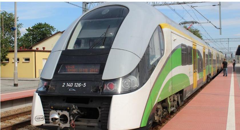 Komunikacja Publiczna, Uwaga! Opóźnione pociągi linii Warszawa Działdowo - zdjęcie, fotografia