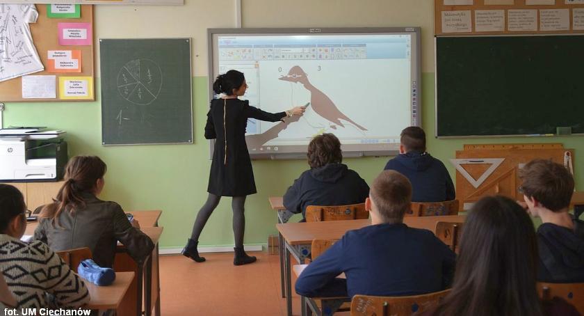 Edukacja, Interaktywne tablice trafią ciechanowskich podstawówek - zdjęcie, fotografia