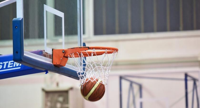 Koszykówka, Zwycięstwo koszykarzy Ciechanowa inaugurację - zdjęcie, fotografia