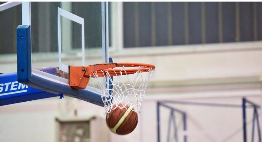 Koszykówka, Wygrana fotel lidera ciechanowskich koszykarzy - zdjęcie, fotografia