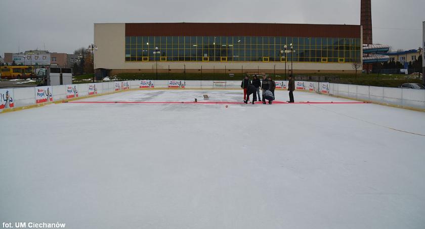 Inne Sporty, środę otwarcie lodowiska Ciechanowie - zdjęcie, fotografia