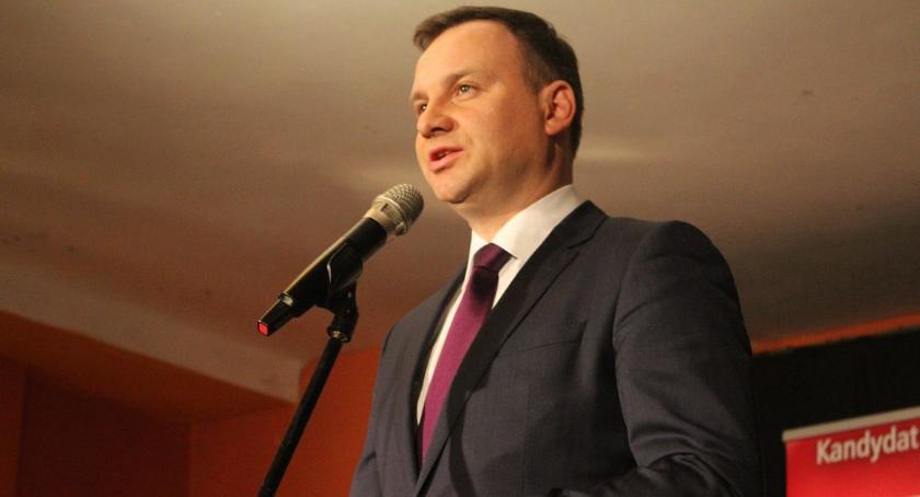 Organizacje Pozarządowe, Prezydent Andrzej przyjedzie Ciechanowa Wcieli rolę wolontariusza - zdjęcie, fotografia