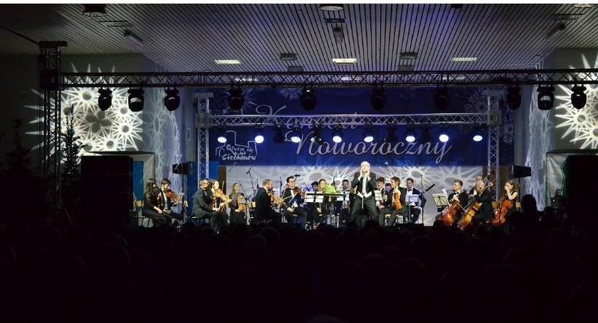Koncerty, Koncert Noworoczny przyciągnął setki ciechanowian (zdjęcia) - zdjęcie, fotografia