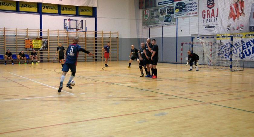 Piłka Nożna, Zakładowa Straż Pożarna zmieniła podium - zdjęcie, fotografia