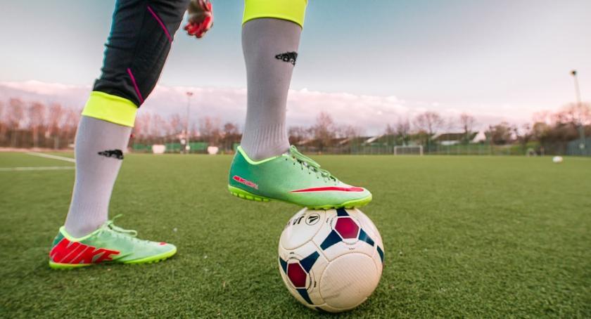 Piłka Nożna, Efektowny remis Wkrą Żuromin sobotę sparing Błonianką - zdjęcie, fotografia