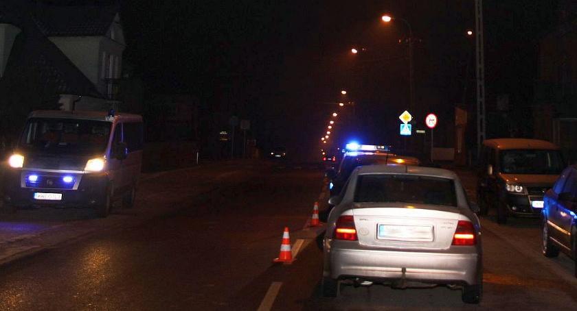 Wypadki drogowe, Mieszkaniec Ciechanowa poszkodowany wypadku - zdjęcie, fotografia