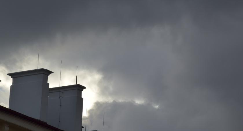 Komunikaty, środę czwartek Mazowszu obowiązuje ostrzeżenie złej jakości powietrza - zdjęcie, fotografia
