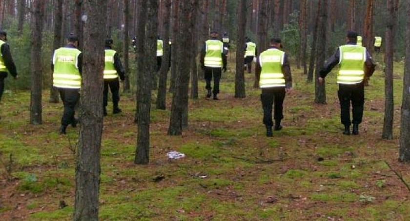 Poszukiwani/Zaginieni, Policjanci poszukiwali zaginionego mężczyzny - zdjęcie, fotografia