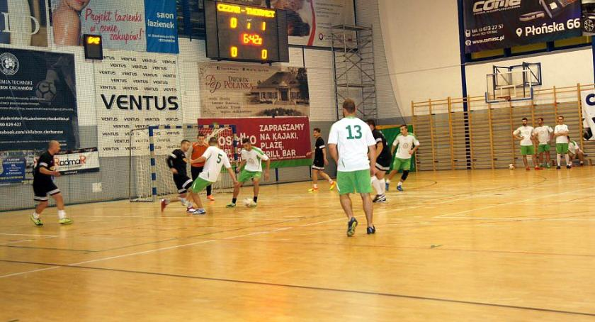 Piłka Nożna, Poznaliśmy zwycięzcę ciechanowskiej Zakładowej! - zdjęcie, fotografia