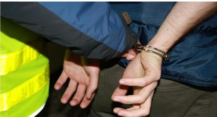 Sprawy kryminale , Policja Ciechanowa zatrzymała osoby - zdjęcie, fotografia
