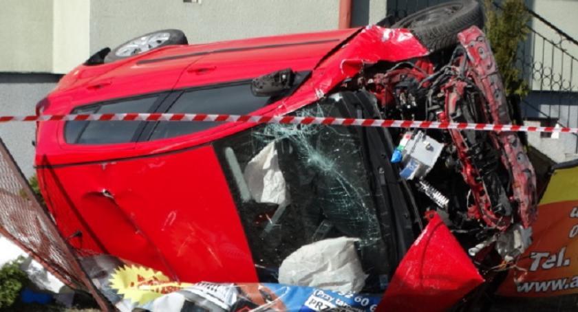 Wypadki drogowe, Zderzenie Toyoty Golfem latek zginął miejscu [zdjęcia] - zdjęcie, fotografia