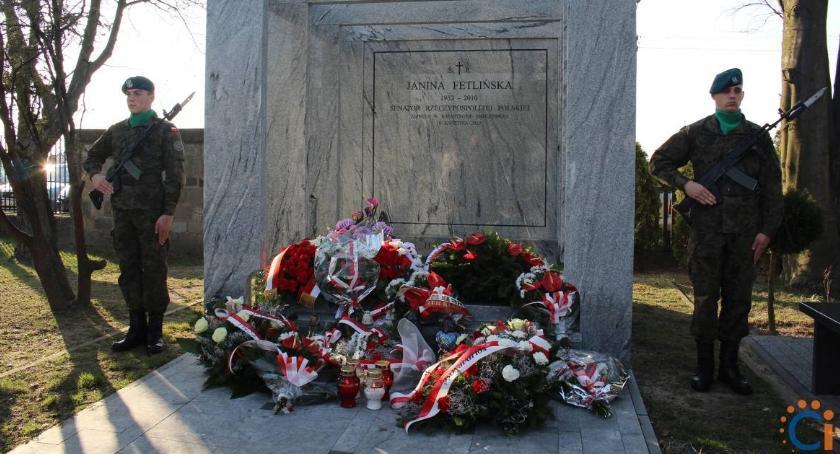Rocznice, Ciechanowie uczczono rocznicę katastrofy smoleńskiej [zdjęcia] - zdjęcie, fotografia